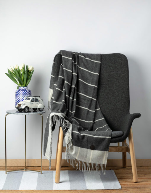 Red Lychee Cashmere Blanket Howard